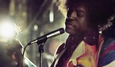 "André Benjamim jako Jimi Hendrix w ""All Is By My Side"""