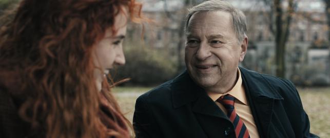 """Jerzy Stuhr w filmie """"Obywatel"""""""