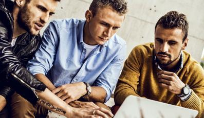 Łukasz Broź, Orlando Sa i Jakub Rzeźniczak w kampanii reklamowej Timex
