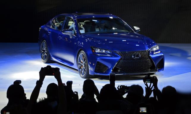 Nowa limuzyna z Japonii debiutuje na rynku! Nowy lexus GS F. Pierwsze ZDJĘCIA