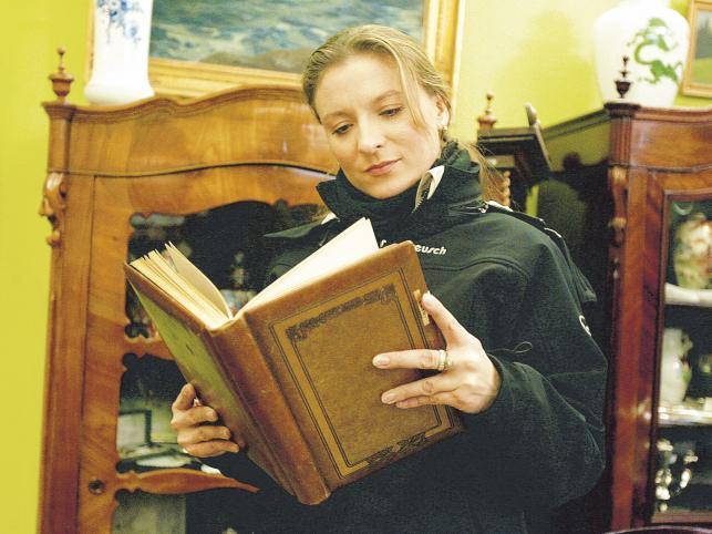 Sandra Lewandowska kupiła piękny album dla swojego generała - Maksymiuka