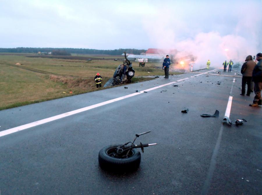 Miejsce tragicznego wypadku, do którego doszło na drodze krajowej nr 8 w rejonie miejscowości Osowy Grąd