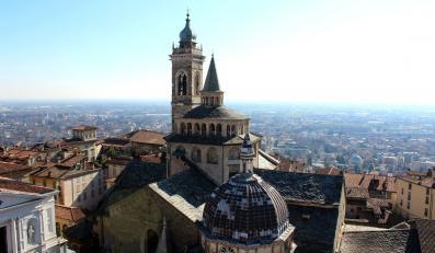 Co zobaczyć w Bergamo? - Piazza del Duomo