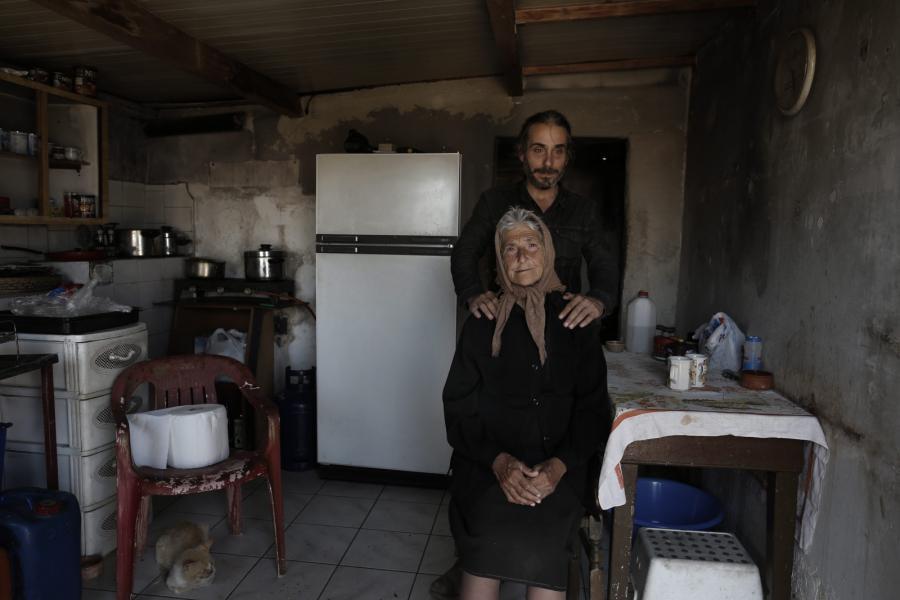 60-letnia Anna Kousoula i jej 40-letni syn Stratos