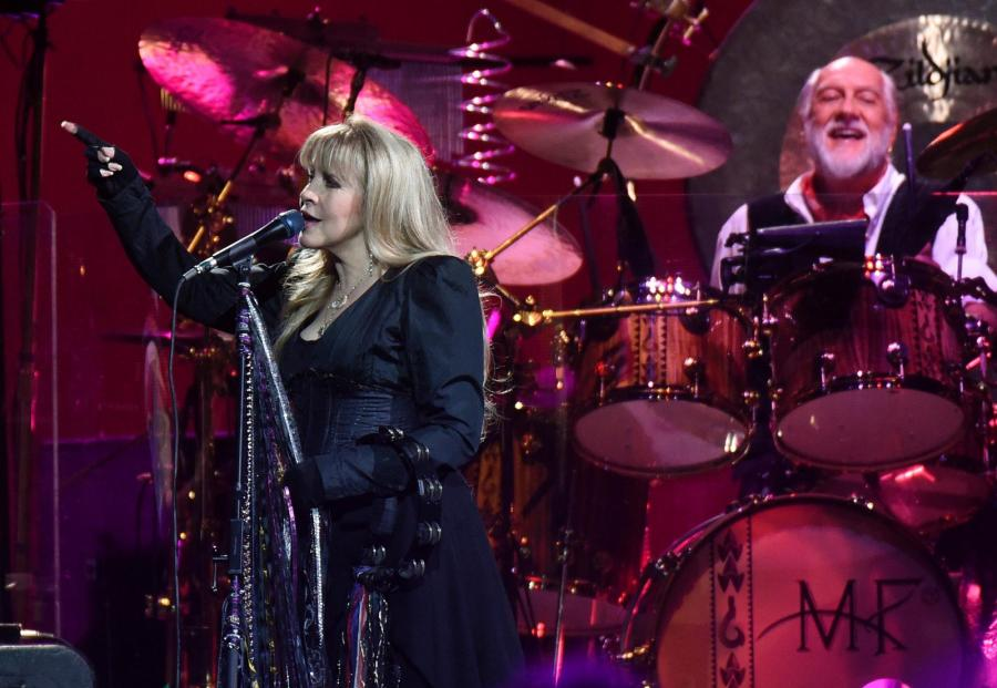 9. Fleetwood Mac –59,5 mln dolarów