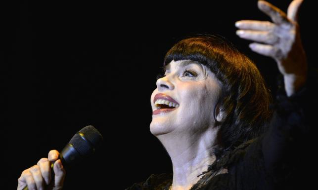 Mireille Mathieu śpiewa już od pół wieku i wciąż zachwyca [ZDJĘCIA]