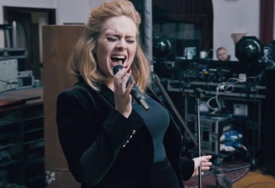 Adele śpiewa \