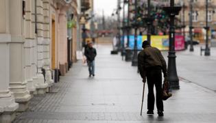 Bezdomny na ulicy w Łodzi