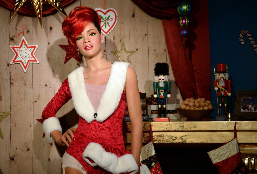 Gorąca Rihanna na święta