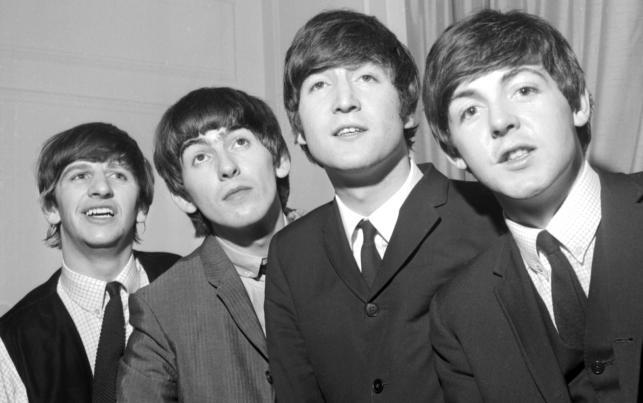 """Pod choinkę: The Beatles """"1+"""""""