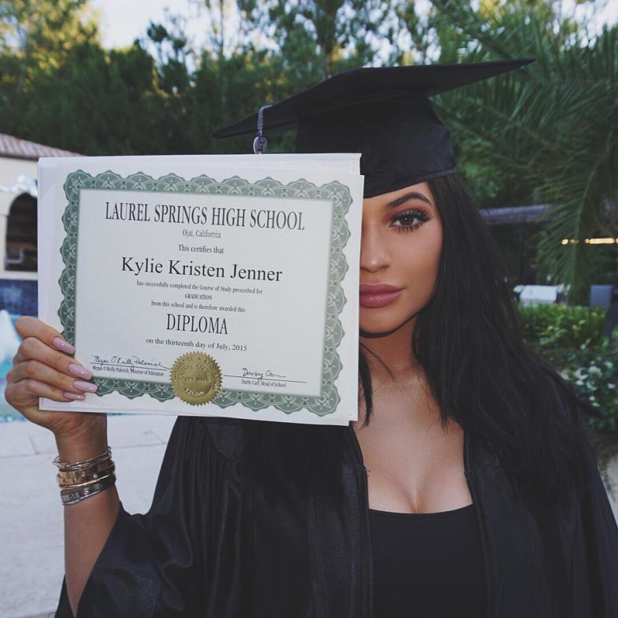 3. Kylie Jenner – 2,3 miliona polubień