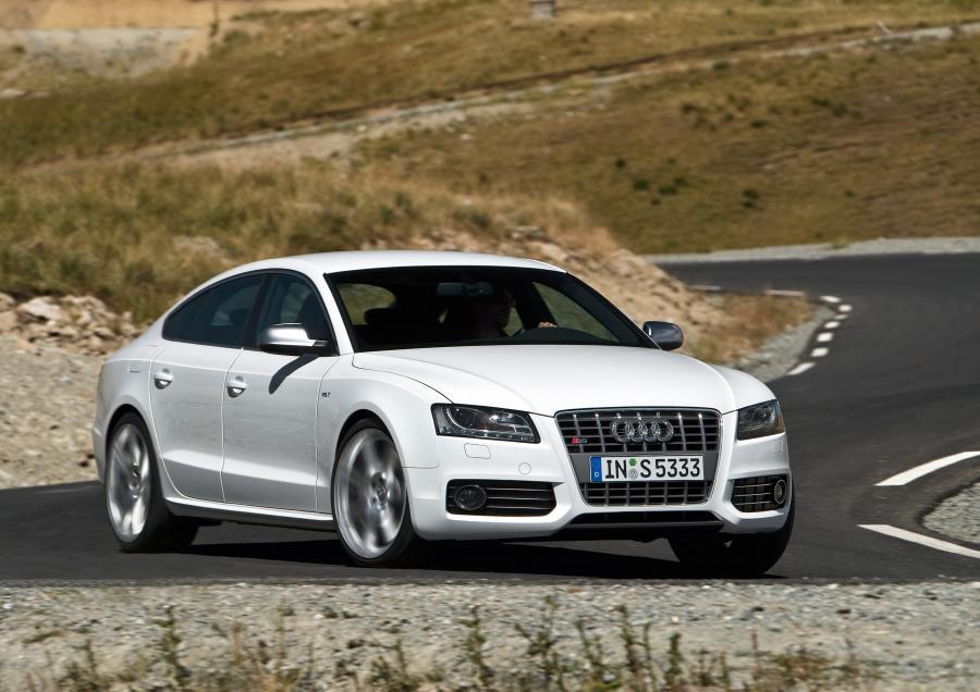 Pierwsze zdjęcie - trzy nowe Audi