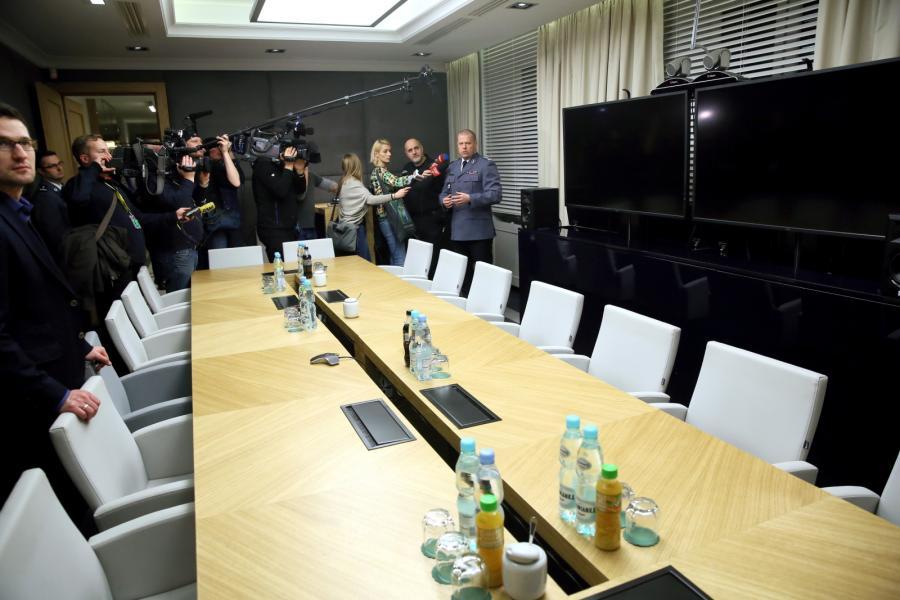 Komendant główny policji inspektor Zbigniew Maj zaprezentował przedstawicielom mediów gabinet