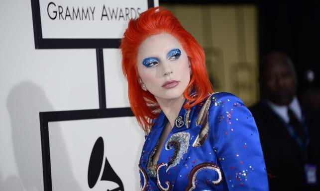 Lady Gaga prawie jak David Bowie na gali Grammy 2016 [ZDJĘCIA]