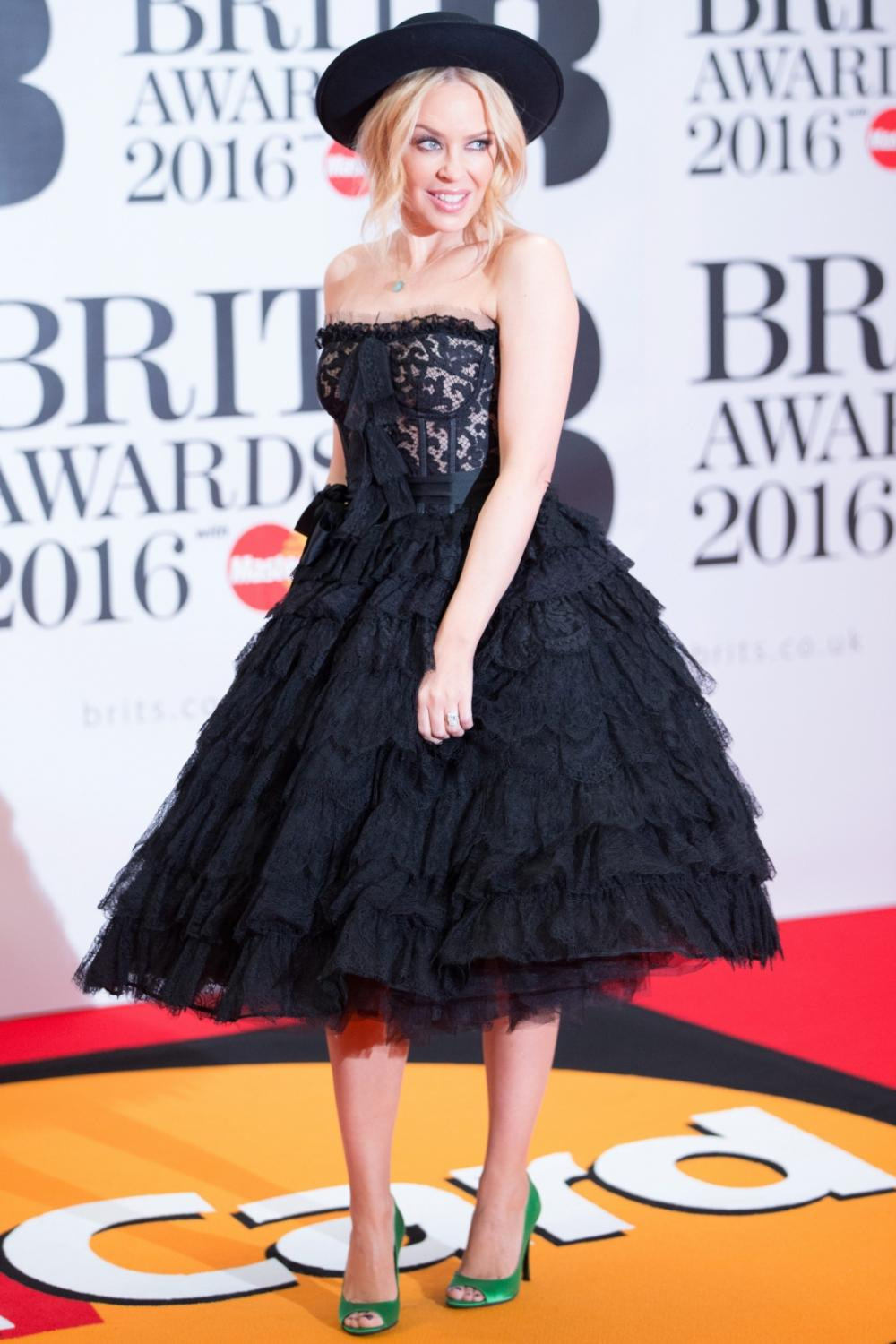 Kylie Minogue na gali Brit Awards 2016