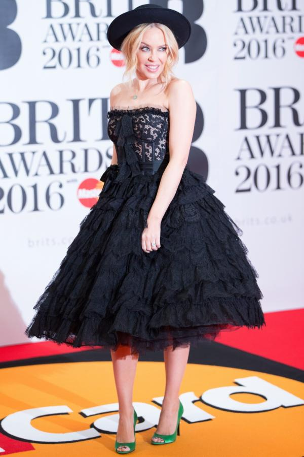 Kylie Minogue na gali Brit Awards 2016