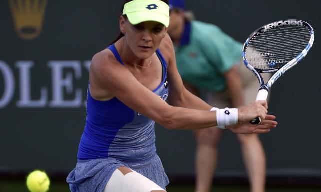 Indian Wells: Radwańska miała nóż na gardle, ale odwróciła losy meczu i pokonała piękną Słowaczkę
