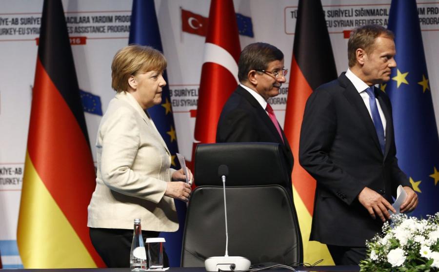 Angela Merkel, Donald Tusk i Ahmet Davutoglu
