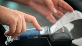 Płatność kartą i rachunek