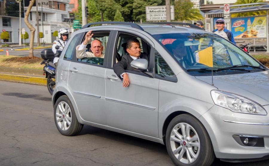 Fiat idea jako auto papieża Franciszka