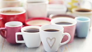 Kubki z kawą