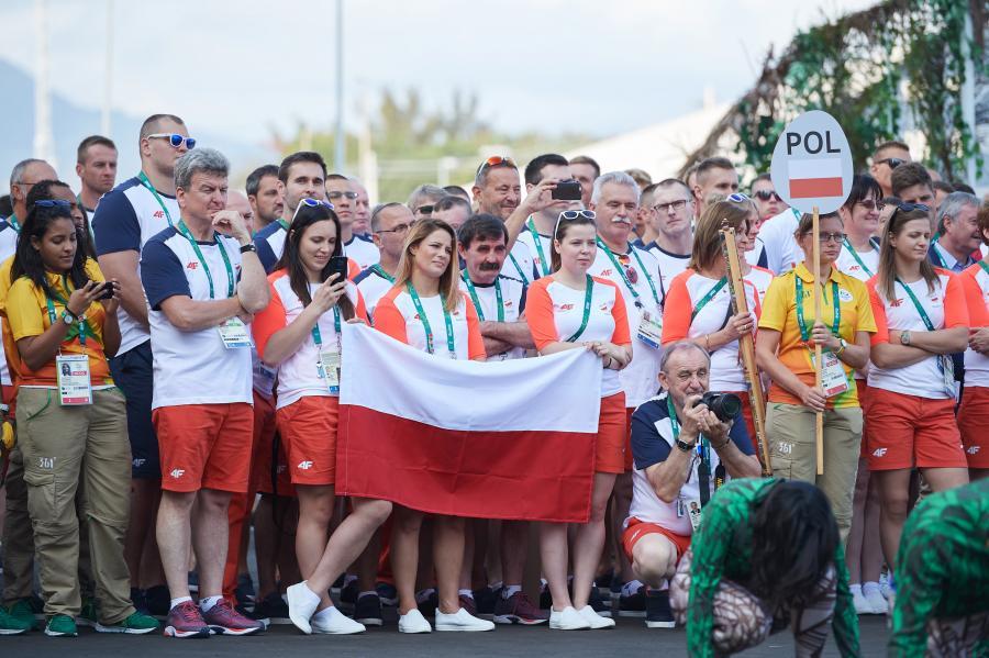 Członkowie reprezentacji Polski podczas powitania w Wiosce Olimpijskiej