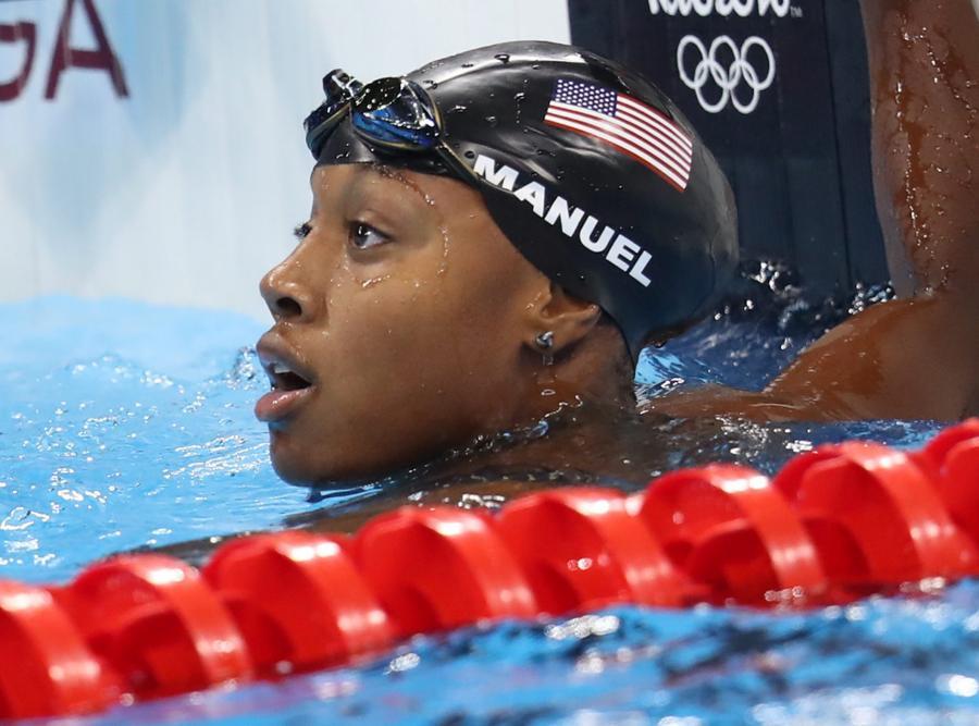 Simone Manuel pierwszą ciemnoskórą pływaczką, która zdobyła olimpijskie złoto