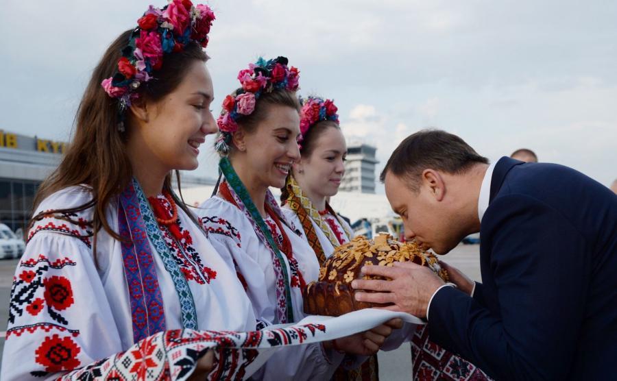 Prezydent Andrzej Duda witany na Ukrainie