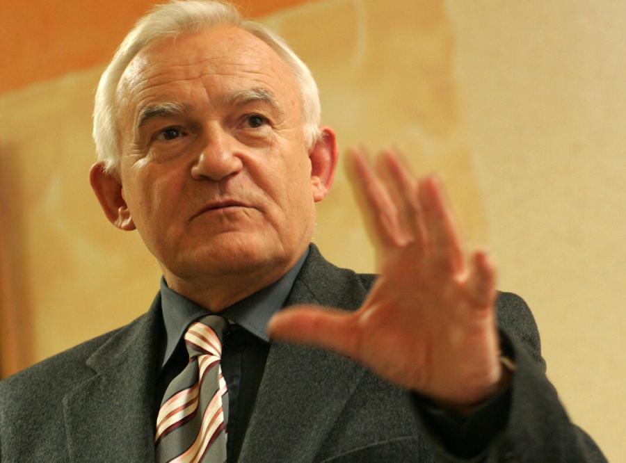Miller: Marcinkiewicz uległ afrodyzjakom władzy