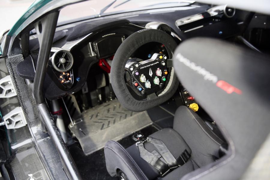 Polski samochód wyścigowy Arrinera Hussarya