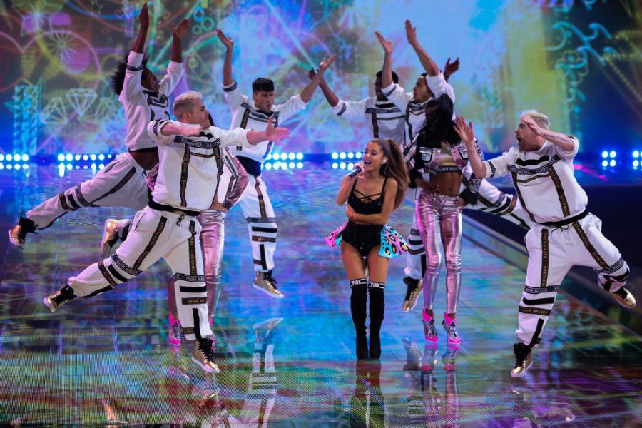 Ariana Grande cieszy się w Polsce tak dużą popularnością, że trzeba było zorganizować drugi koncert, by wszyscy fani mogli się pomieścić. Wokalistka wystąpi 31 maja oraz 1 czerwca w łódzkiej Atlas Arenie. Bilety w cenie od 249 złotych są wciąż jeszcze dostępne i ucieszą młodszych fanów muzyki pop.