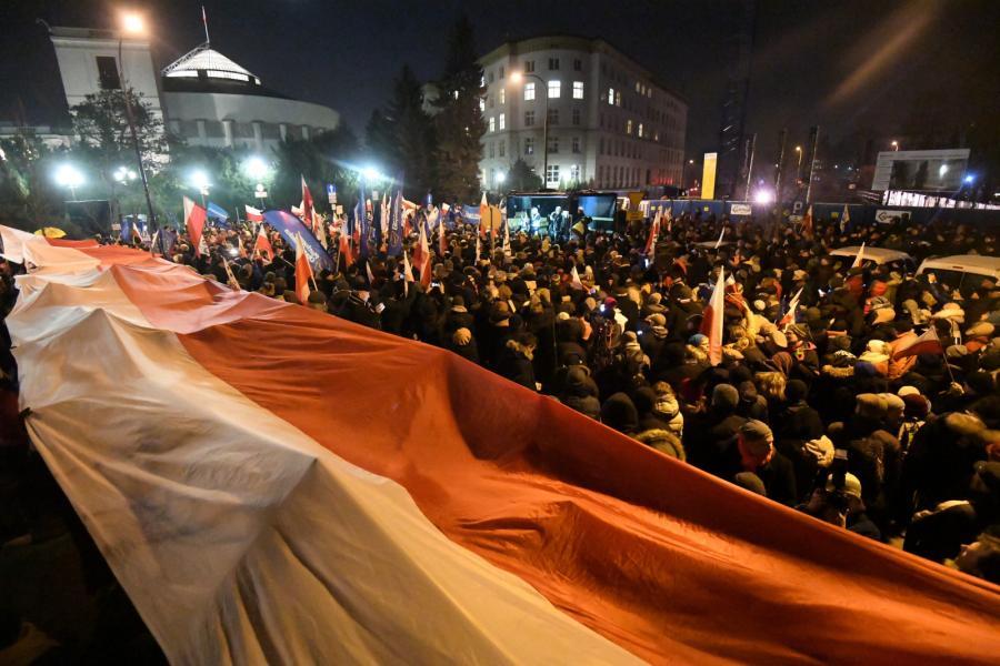 Protest KOD przed Sejmem