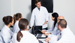 Grupa lekarzy