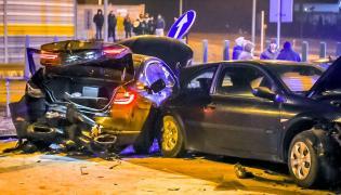 Trudne warunki drogowe jedną z przyczyn wypadku samochodów z Antonim Macierewiczem?