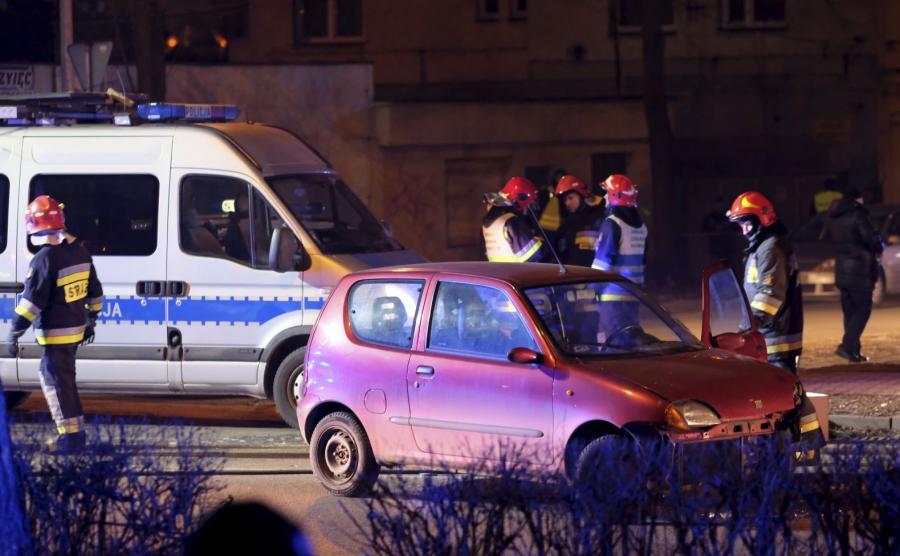 Fiat seicento, który uczestniczył w wypadku rządowej kolumny